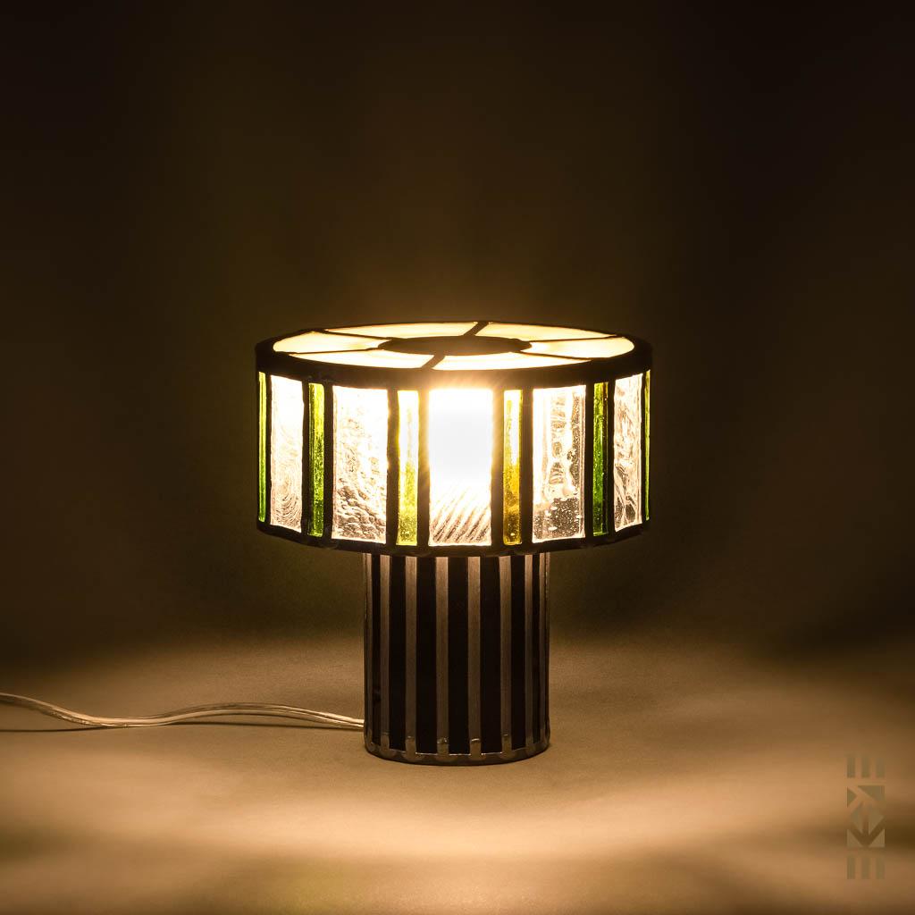 Lampe Scott F. EKAYE allumée de nuit