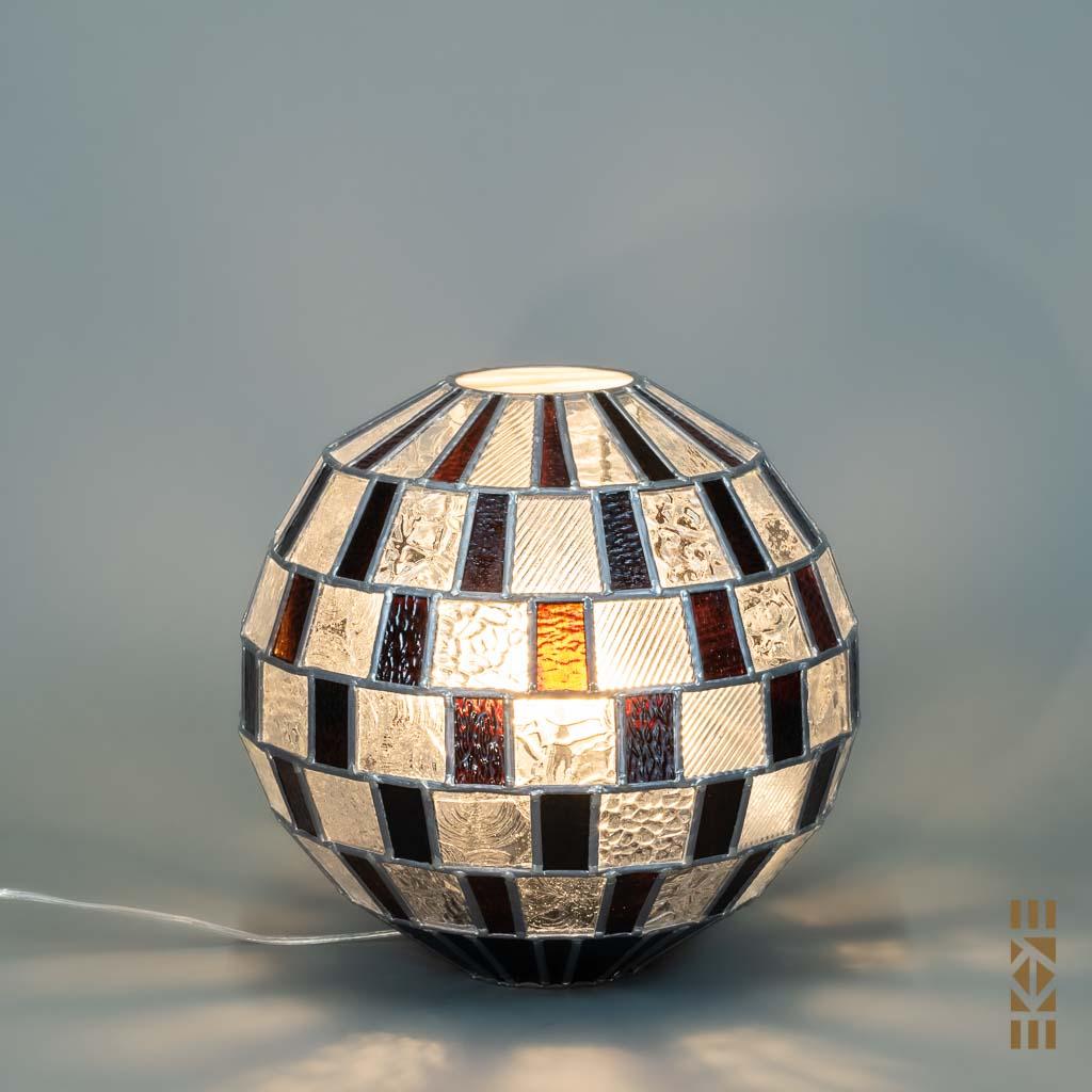 Lampe Alfons M.-333 EKAYE allumée de jour