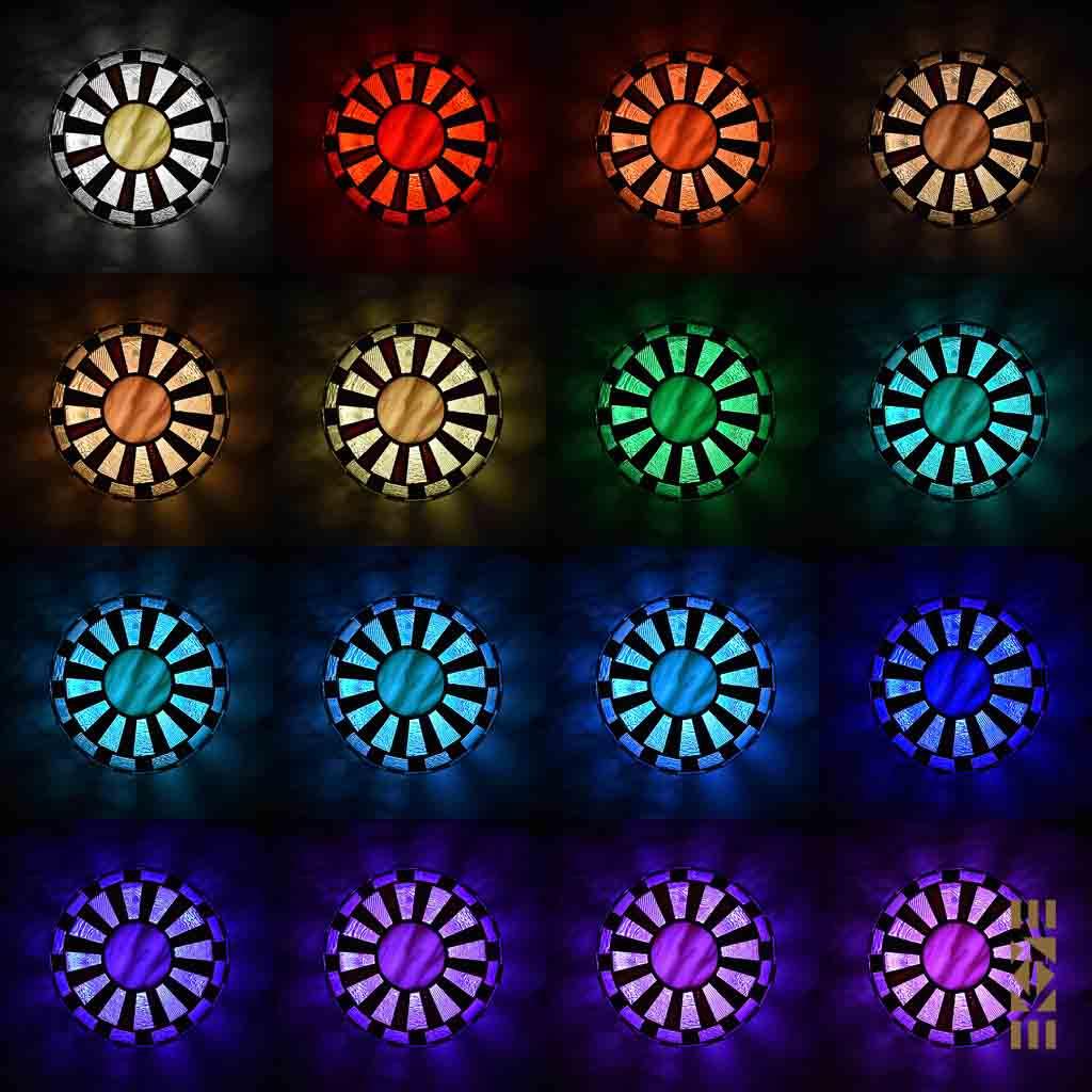 Lampe Alfons M-333 EKAYE allumée de nuit couleurs de dessus