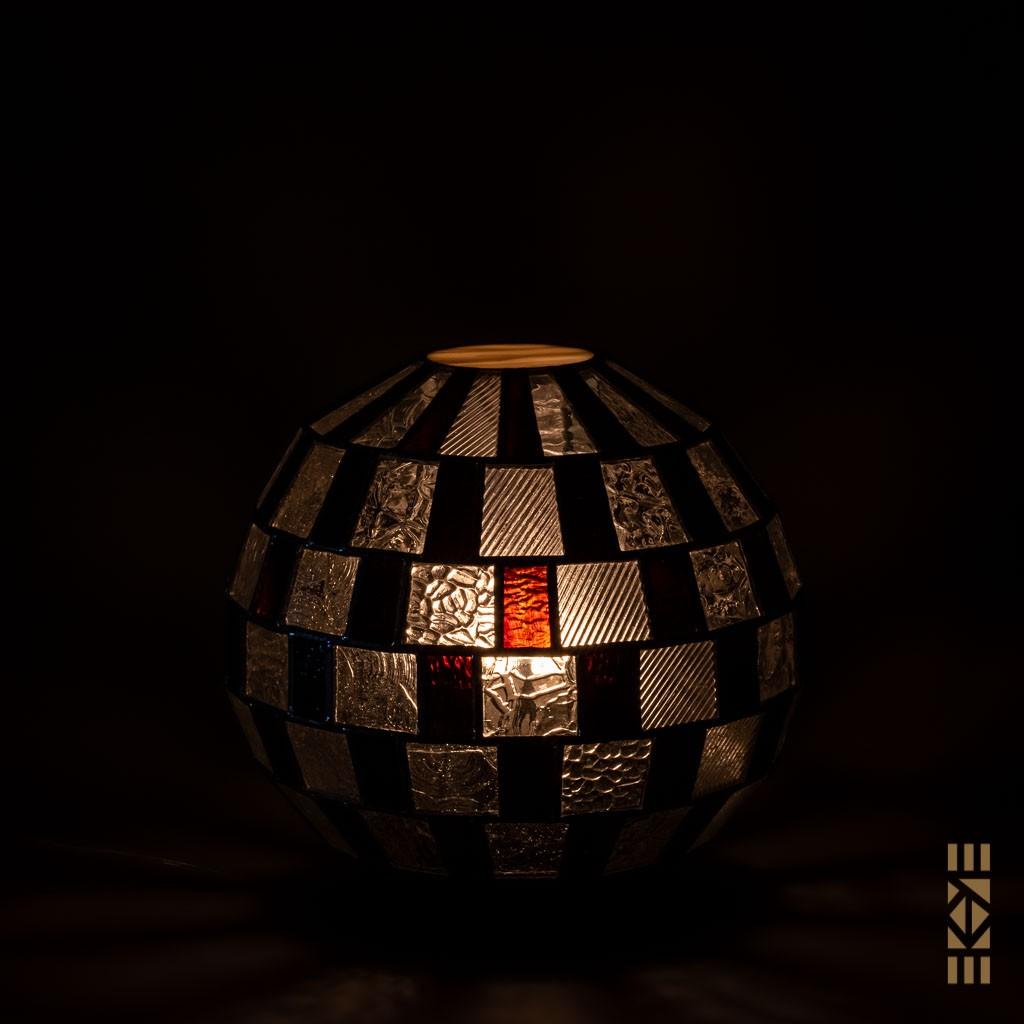 Lampe Alfons M.-333 EKAYE allumée de nuit veilleuse